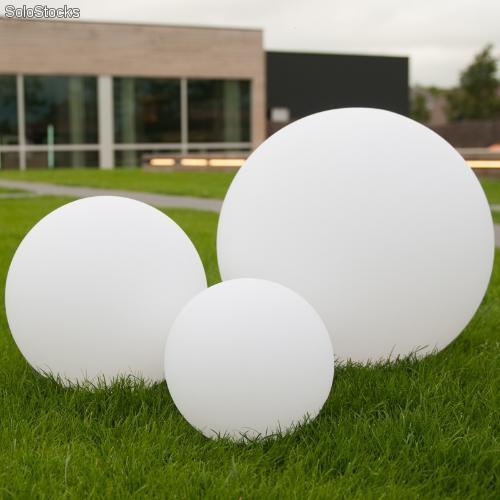 Iluminación para el jardín el blanco de las luces led