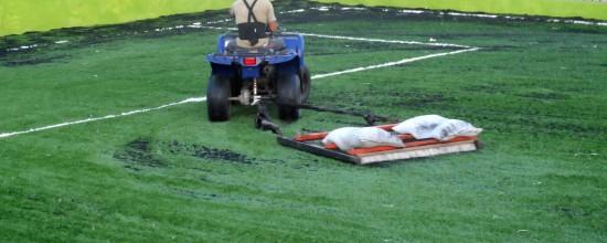 La FIFA realiza estudios para analizar los efectos de mantenimiento sobre el césped artificial