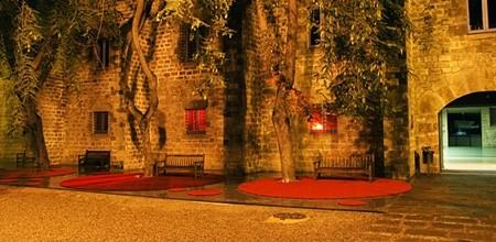 Césped de colores: ¡pavimento rojo!