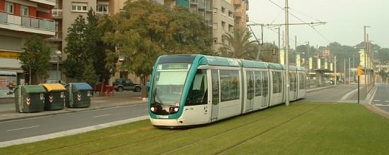 Césped sintético: tranvía verde