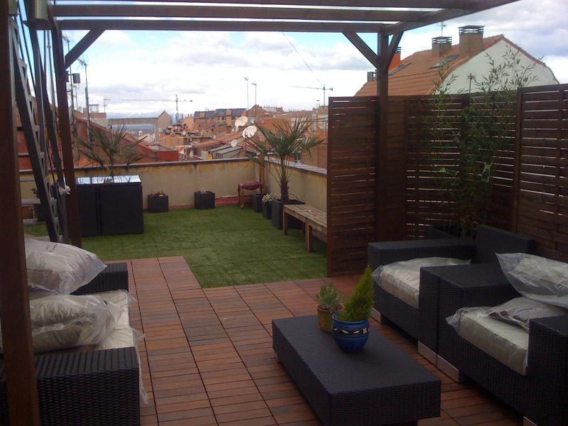 amazing decorar terraza cesped artificial csped artificial qu puedo utilizar with decorar terrazas aticos - Decorar Terraza Atico